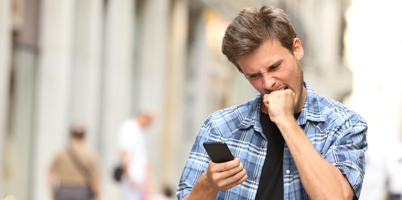 Es ist immer ärgerlich, wenn der Akku am Smartphone unerwartet schnell sich entlädt